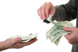 Где выгоднее брать деньги в долг