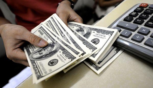 Вклад в долларах: насколько это актуально?